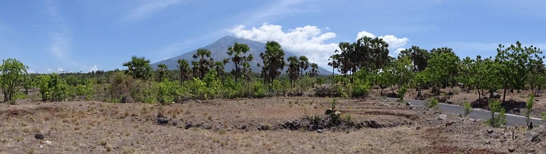bali-tulamben-sea-view-land-mountain